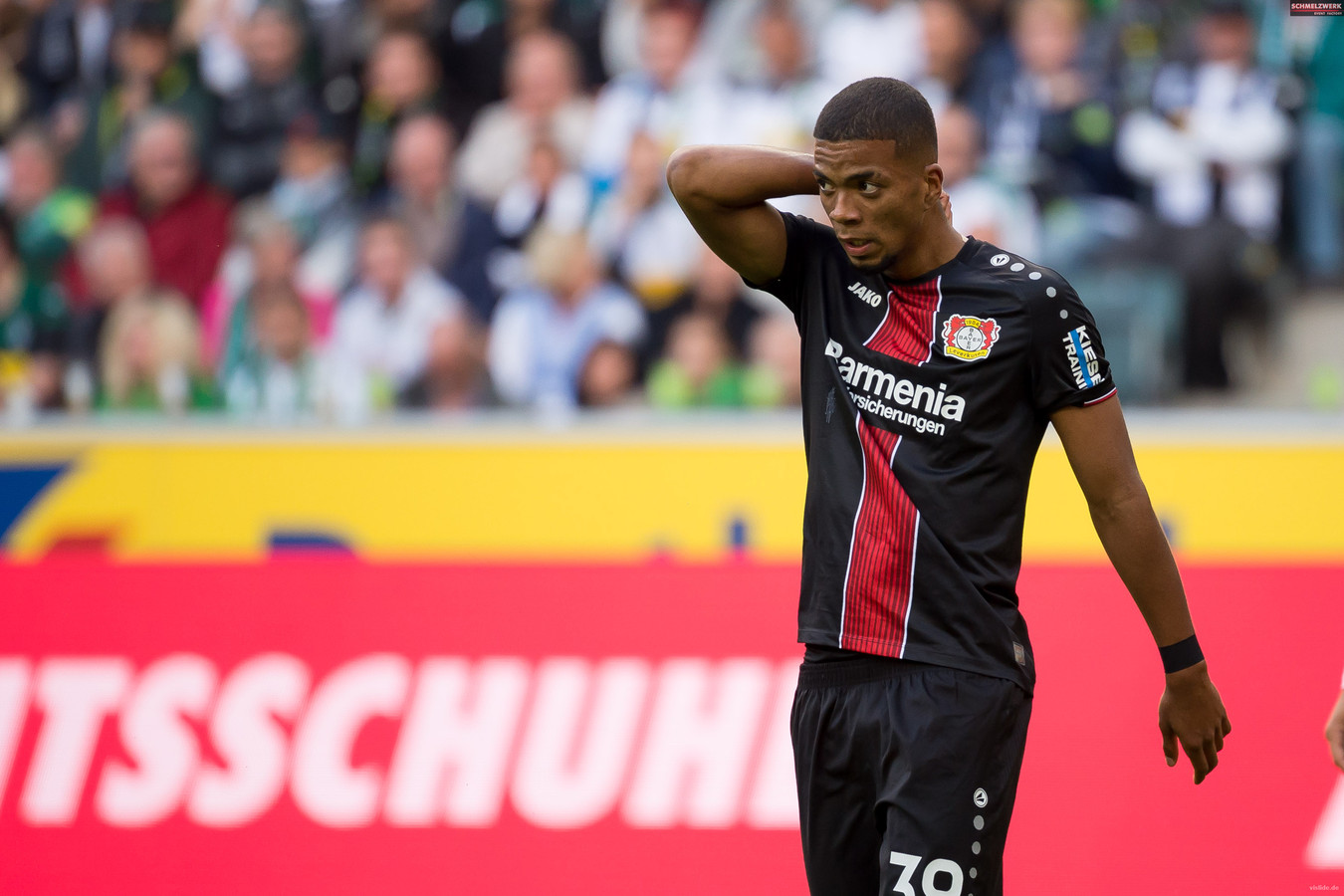 MOENCHENGLADBACH, GERMANY - AUGUST 25: Benjamin Henrichs of Bayer 04 Leverkusen looks on during the Bundesliga match between Borussia Moenchengladbach and Bayer 04 Leverkusen at Borussia-Park on August 25, 2018 in Moenchengladbach, Germany. (Photo by TF-Images/Getty Images)