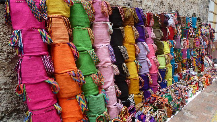 Kleurrijke geweven doeken in Cartagena Beeld RV