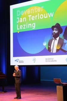 Bas Heijne bij Jan Terlouwlezing: 'Mooie woorden zijn niet genoeg'