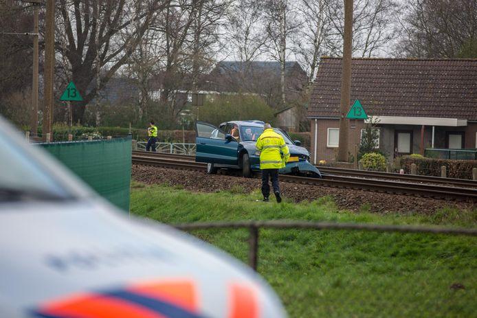 Ongeluk tussen een trein en een auto in Roosendaal