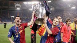 """Andres Iniesta worstelde met depressie na winnen 'treble': """"Ik heb aan zelfmoord gedacht"""""""
