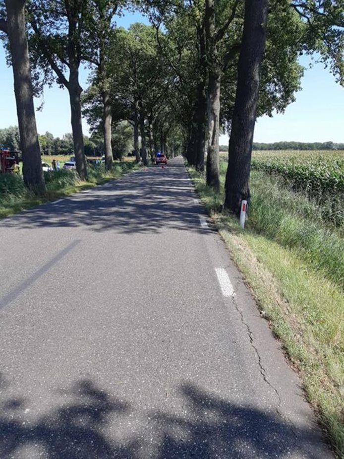 Bij het ernstige ongeluk in Haarlo is gistermiddag een 18-jarige man overleden.