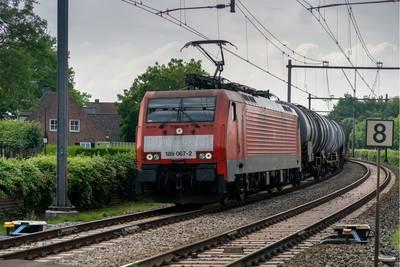 bij-boxtel-begint-%E2%80%98opstandig-nederland%E2%80%99:-denderende-treinen-trillen-omwonenden-uit-bed