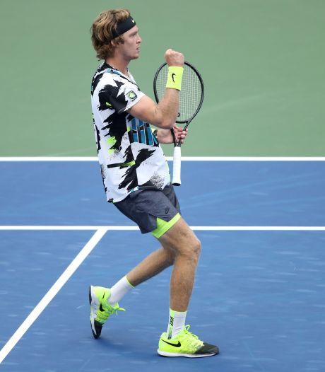 Roeblev vecht zich naar kwartfinales US Open