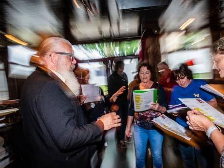 Nieuwe stadsdichter Alphen schrijft 'over alles'