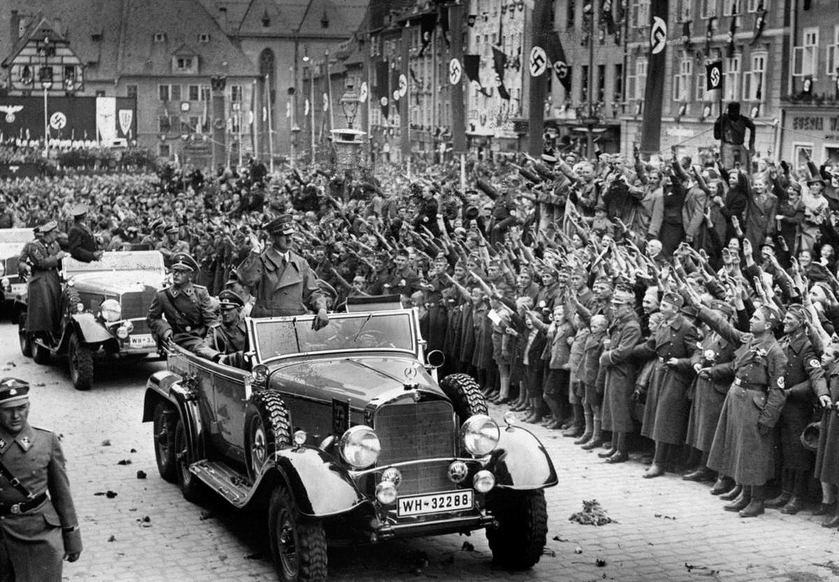 De parade-auto van Hitler die binnenkort in Nederland tentoongesteld wordt