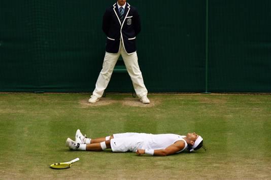 Rafael Nadal na de laatste klap tegen Roger Federer in 2008.