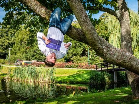 Niels (19) troeft 1200 studenten af en haalt propedeuse met een 9.17 gemiddeld
