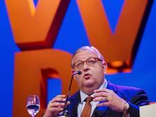 VVD-partijvoorzitter 'baalt ontzettend' van bericht over zelfverrijking