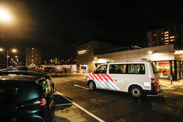 Het Chinese restaurant in winkelcentrum Sterrenburg is vanavond overvallen.