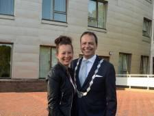 Dubbel feest voor nieuwe burgemeester Jack van der Hoek