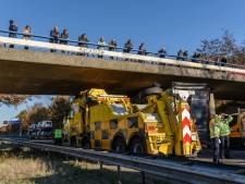 Verkeersinfarct rondom Breda na ongelukken met vrachtwagens: wegen weer vrij, boetes voor filmers