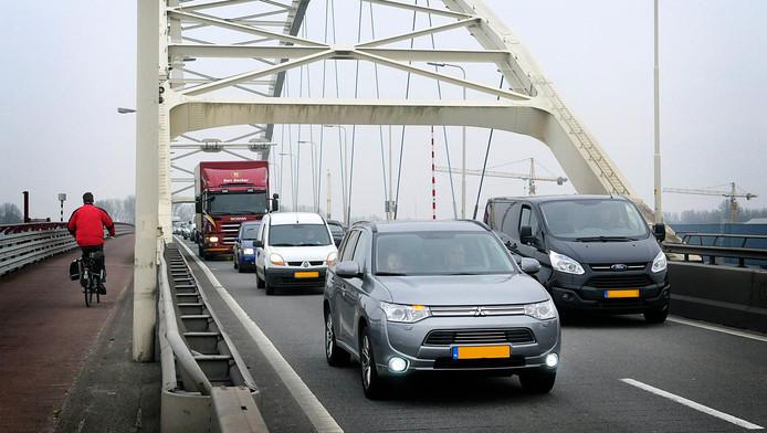 De brug tussen Papendrecht en Dordrecht.