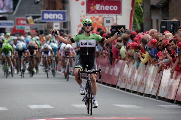 Mark Renshaw blijft het peloton nipt voor en wint de eerste etappe in de Eneco Tour van 2013.