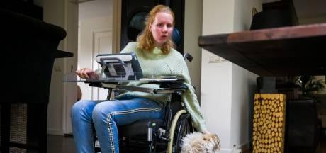 Steffie (24) knokt zich terug na ernstige hersenbloeding: 'Opgeven is géén optie'