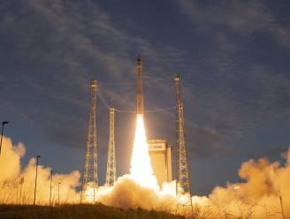 Supersatelliet Aeolus die weerbericht moet doen kloppen in ruimte geschoten