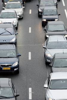 Forse files op snelwegen rond Arnhem en Nijmegen door ongelukken