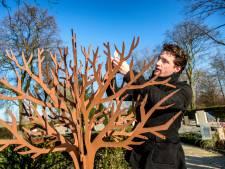 Gedenkbomen op begraafplaatsen in De Ronde Venen
