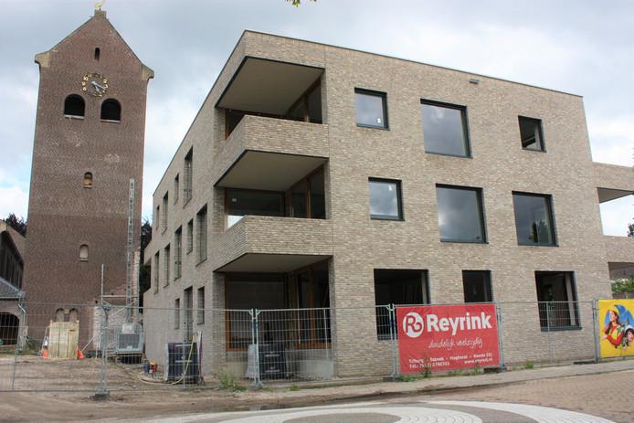 Een van de twee appartementengebouwen bij de voormalige St.-Jozefkerk in Kaatsheuvel.