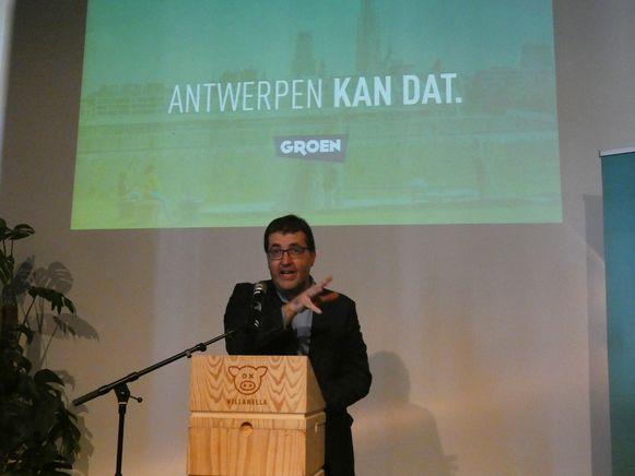 """Lijsttrekker Wouter Van Besien deed een oproep aan """"alle progressieve Antwerpenaren"""" om voor Groen te stemmen."""