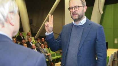 Dimitri Van Laere legt eed af als nieuwe burgemeester van Kruibeke