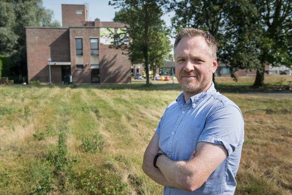 Directeur Joeri Manhout op de site waar de nieuwbouw tegen september 2019 zal verrijzen.
