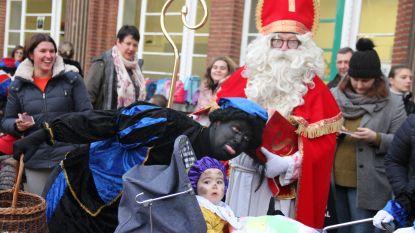 Sinterklaas, Zwarte Piet én baby Antonius bezoeken Sint-Antoniuscollege