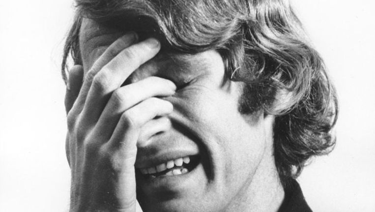 Een still uit I'm Too Sad To Tell You uit 1971 van Bas Jan Ader. Beeld The Bas Jan Ader Estate, Mary Sue Ader-Andersen and Patrick Painter Editions