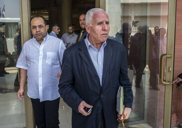 Palestijnse onderhandelaar Azzam al-Ahmed (rechts) in Caïro. Beeld belga