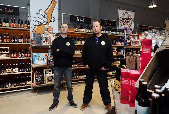 Laurence Langezaal en Simon Astorgano van bierwinkel Brother Beer hebben het drukker dan ooit.