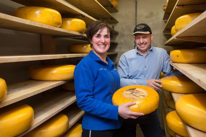 Lisette bestiert samen met haar man Erik een veeteeltbedrijf en kaasmakerij in Made.