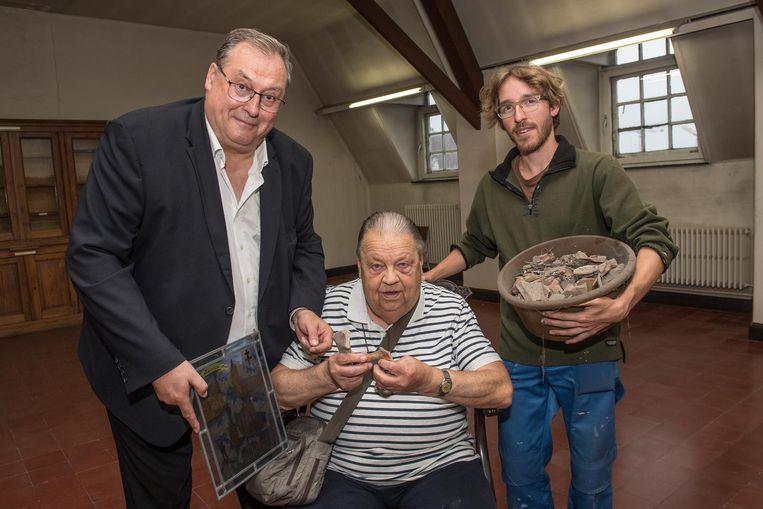Schepen Dirk Lievens, geschiedkundige Jozef Goderis en erfgoedconsulent Willem Hantson.
