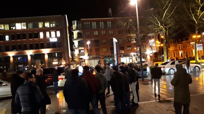 De taxichauffeurs begonnen de wilde staking in de Visstraat en het Stationsplein.