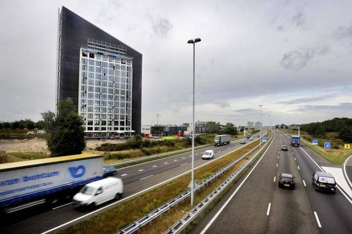 Het hoofdkantoor van ABAB accountants vestigt zich per 1 juli in kantoortoren EnTrada langs de A58. foto Joris Buijs/PVE