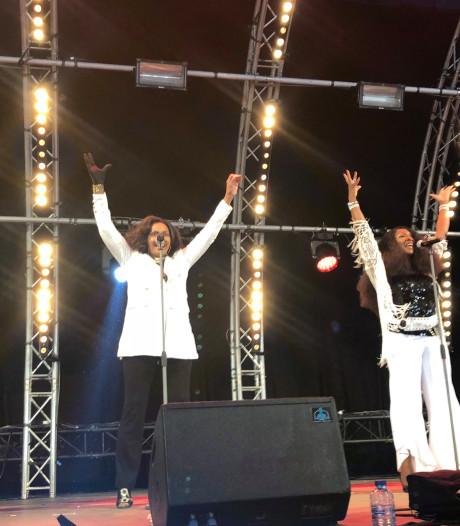 40 Up Zomerfestival laat 3.000 bezoekers swingen op Strijp-S