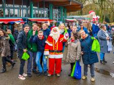 Kerstmarkt op Lambertijnenhof in Bergen op Zoom: oliebollen, chocolademelk en een kersttrein