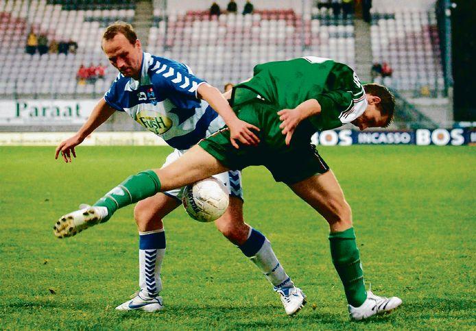 2007: Martin Reijnders speelde op zijn oude dag als 35-jarige nog een paar keer mee bij FC Zwolle, zoals tegen FC Dordrecht-verdediger Ruud Kras. Reijnders is tot op heden de laatste 'eigen' spits van PEC.