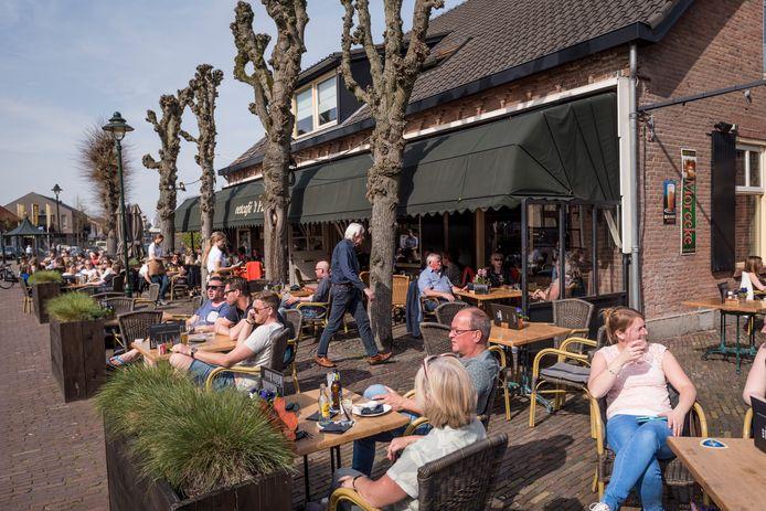 Vol terras bij Eetcafe 't Pumpke Nistelrode