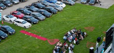 Drive-in diploma-uitreiking volgen via het Lingecollege-diplomastation