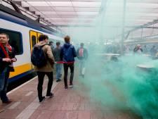 ProRail woest: supporters op weg naar bekerfinale vernielen treinen
