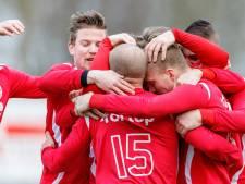Voetbalclub DESZ uit Zwartsluis wijzigt regels voor het aantrekken van voetballers van buitenaf