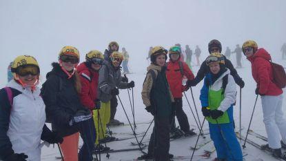 """131 leerlingen op skireis in Zuid-Tirol: """"Amuseren ons hier rot en maken ons niet ongerust"""""""