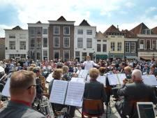 Harmonieorkesten zorgen voor imposant geluid in hartje Zierikzee