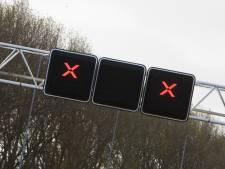 File door ongeval op A12 bij Arnhem, twee rijstroken dicht