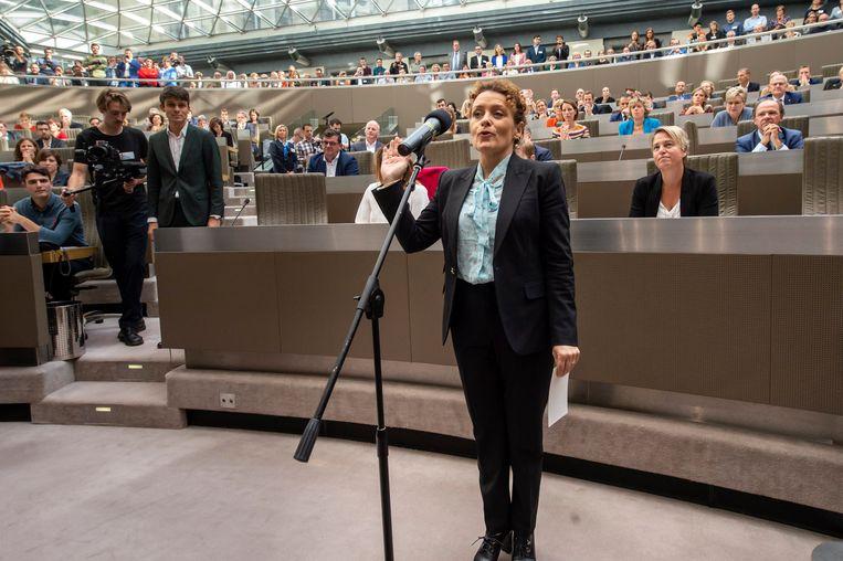 Lydia Peeters legt de eed af als nieuwe Vlaamse minister.
