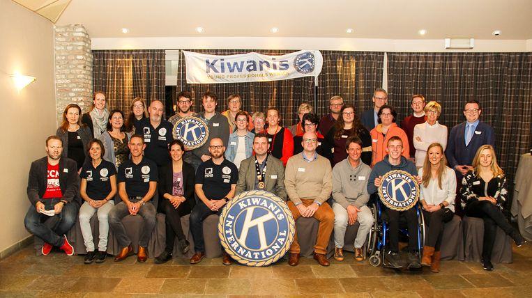 WERVIK  MVBO  Servicelub Kiwanis Young Professionals samen met vertegenwoordigers van allerlei sociale doelen en projecten