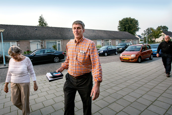 Raadslid Sjef van Creij in 2014. Zijn vrouw Wilma staat niet op de foto.