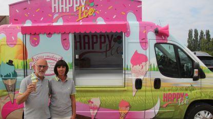 """Willy (59) en Katleen (45) na frituur en bistro met ijskar Happy op pad: """"Stilzitten is niets voor mij"""""""