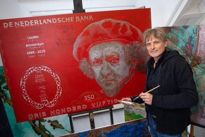 Niels Verbruggen opent in zijn woonplaats Enter een kunstgalerie.
