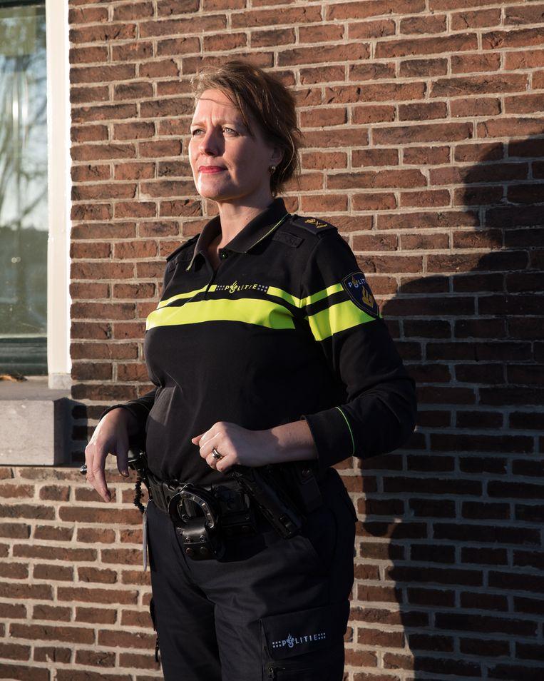 Anja Schouten, politiechef van Haarlem. Beeld Rebecca Fertinel
